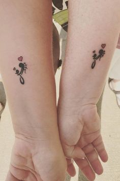 100 Mother-Daughter Tattoo Ideas to Show Mom How Much You Care 39 Mutter-Tochter-Tattoos