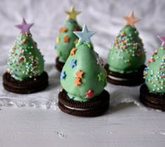 These strawberry truffle trees are loads of fun to make with the kids! Christmas Goodies, Christmas Tree, Christmas Ornaments, Christmas Recipes, Strawberry Truffle, Truffles, Mango, Yummy Food, Shapes