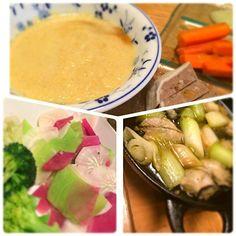 先週三浦で採ってきた三種類の大根をサラダにしました。大根だけなのにこんなカラフルで綺麗なサラダに! ポタージュは冷凍して置いた野菜スープにカリフラワーと豆乳をたして。 最近お気に入りの牡蠣のアヒージョには三崎のネギを入れて。食べ応えあって美味しい。ワインとともに - 1件のもぐもぐ - 大根の彩りサラダ、カリフラワーのポタージュ by flower5
