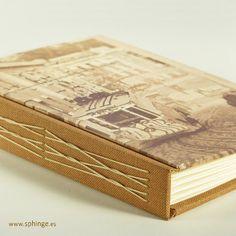Handbound photo album with longstitch  / Álbum de fotos encuadernado a mano con costura de puntada larga