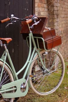 #eleanorsnyc #perfectsummerbikeride Betty, 3 speed, Flirty 30s green with vintage suitcases   www.begbicycles.com