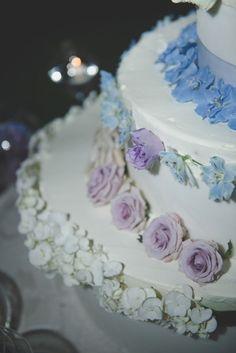 Azzurro e viola per un matrimonio country