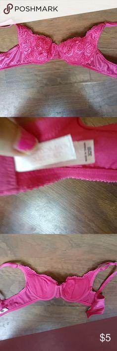 Victoria's secret  like new 32 b Lot pushup Victoria's Secret Intimates & Sleepwear Bras