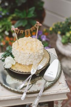 Wedding cake idea; Featured Photographer: Anna Delores Photography