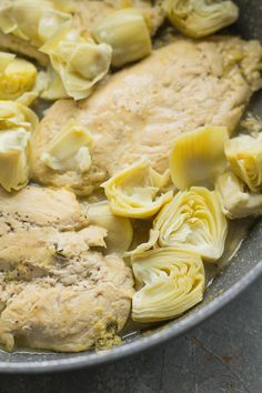 Healthy Lemon Artichoke Chicken - The Clean Eating Couple Lemon Artichoke Chicken, Clean Chicken, One Pan Dinner, Roasted Vegetables, Healthy Chicken Recipes, Clean Eating, Paleo, Stuffed Peppers, Couple