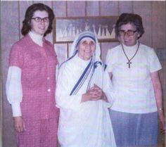My Aunt Juanita (right) had the pleasure of meeting Blessed Mother Teresa in the 1970's in El Paso, TX. She had the pleasure of washing her only garment. She even tried it on!