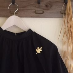 Sold out : Handmade Accessories, Off Shoulder Blouse, Crop Tops, How To Make, Clothes, Jewelry, Nice Things, Women, Brooch