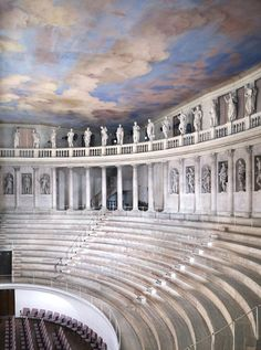 Teatro Olimpico di Vicenza. Andrea Palladio, (1580 -1585) © 2013 Candida Höfer