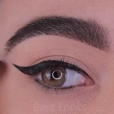 Beautiful Eye Makeup Tutorial - Augen Make Up Anleitung Eyebrow Makeup Tips, Makeup Tutorial Eyeliner, Makeup Eye Looks, Eye Makeup Steps, Beautiful Eye Makeup, Cute Makeup, Smokey Eye Makeup, Eyeshadow Makeup, Beauty Hacks For Makeup
