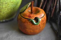 Яблоко-сахарница. Керамика