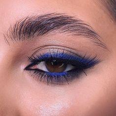 aesthetic makeup colorful 35 Color-rich Eye Makeup Designs for Women 2020 eyebrows, eye shadow, eyeliner, eye makeup, eye makeup trends eye makeup ideas Hazel Eye Makeup, Applying Eye Makeup, Makeup Eye Looks, Eye Makeup Art, Blue Eye Makeup, Skin Makeup, Eyeshadow Makeup, Hazel Eyes, Makeup Brushes