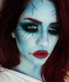 Maquillage Halloween Femmes - Halloween make-up Halloween Kostüm Horror, Halloween Zombie, Halloween 2014, Halloween Makeup Looks, Costume Halloween, Raccoon Halloween, Terrifying Halloween Costumes, Haloween Makeup, Sally Costume