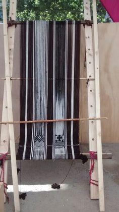 Textil mapuche en etapa inicial de Matilde  Painemil  (Padre las casas )