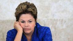 """Operários são PAGOS para aplaudir Dilma Na inauguração do BRT, no Rio de Janeiro, cada operário diz ter ganho R$ 140 para fazer parte da plateia do evento. Foram cerca de 150 trabalhadores """"contratados"""" para que as vaias não aparecessem."""