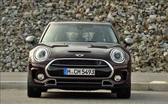 MINI Coopers Clubman 2016 is ready to roll down the lane with better looks, more space and efficient engines. Check its review to learn more.