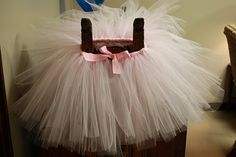 Im always being asked how to make a tutu at work... and ive always had no idea.... now i know!