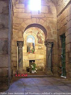 Interior de Santa Comba de Bande Romanesque Art, Roman Church, Carolingian, Church Architecture, Church Design, Cathedral Church, Romans, Sculptures, Castle