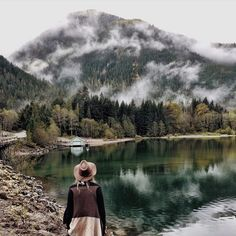 The Northern Cascades. @emitoms has me dying to visit in this photo by her. #liveauthentic @folkmagazine  (at folklifestyle.com)