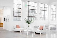 The Open Office: Everlane's New SF Quarters in a Converted Laundry – Remodelista – Home Office Design For Women Office Interior Design, Office Interiors, Interior And Exterior, Office Designs, Room Interior, Office Ideas, Interior Decorating, Scandinavian Sofas, Scandinavian Style