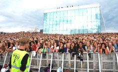 Bieber Fever: Norway Schools Rescheduled Exams So Students Can Attend Justin Bieber Concert