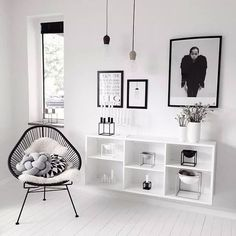 """Minimalist motto is"""" Less is More"""" meaning that less furnishings in your living-room will permit more energy in the location."""