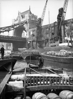 Photographic Print: Lighters Approaching the General Steam Navigation Company's Wharf by Tower Bridge, London, : Victorian London, Vintage London, Old London, East London, London History, British History, Asian History, Tudor History, London Life