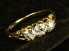 FABULOUS ANTIQUE EDWARDIAN ENGLISH 18K GOLD 0.65ct DIAMOND 3-STONE RING c1890