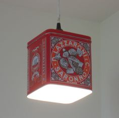How awesome? Use any tin to make a light shade-I NEVER would have thought of that!
