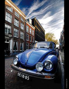 VW Volkswagen Beetle, escarabajo, cucaracha, poncho, cepillo, maggliolino... at Utrecht streets!! | Flickr - Photo Sharing!