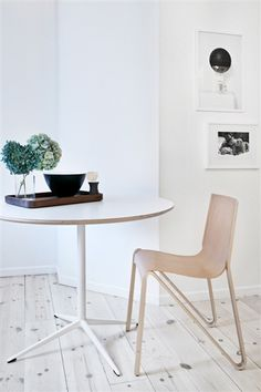 Stunning chair, bought at Tom Rossau - but who makes it? Dining table from Hay Dining Area, Kitchen Dining, Dining Chairs, Kitchen Cabinets, Dining Table, Cabinet Lighting, Nordic Style, Scandinavian Interior, Kitchen Remodel