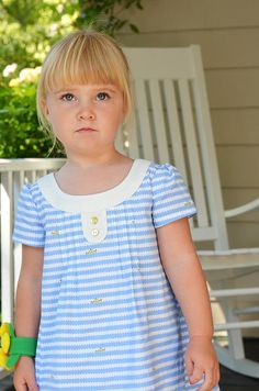 Family Reunion Dress Size 3T by kellydonovan624, via Flickr - love her fabric choice for this dress