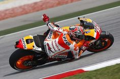 """Scusi"" Marc Marquez 93, elbow on the ground, easy."