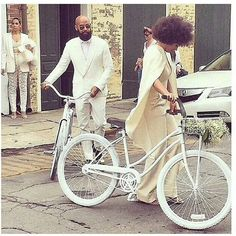 Solange marries Alan Ferguson in New Orleans. and wayne wasn't invited? Solange Knowles Wedding, Chic Wedding, Wedding Day, Wedding Attire, Wedding Night Lingerie, Engagement Photo Inspiration, Engagement Photos, Hair Inspiration, Natural Styles