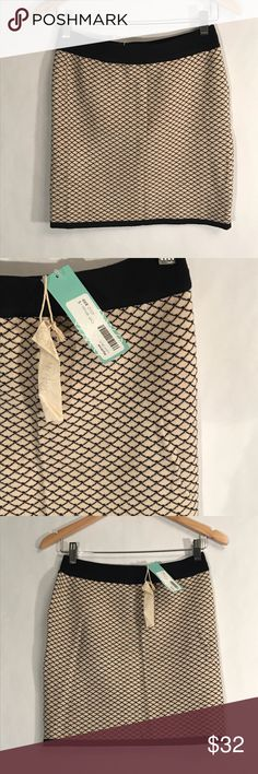 Mystree NWT Stretch Lorri Skirt Small Stitch Fix Mystree NWT Stretch Lorri Skirt size Small Stitch Fix. New with tags. Ivory/off white and black. Stretch cotton. Mini - above knee. Pull on.   Size Small Waist laying flat - 14in Length - 16.5in Mystree Skirts Mini
