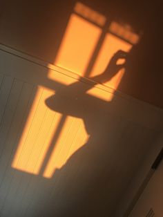 moving on to light orange. trying to make an ombré with my posts. were moving on to light orange. trying to make an ombré with my posts. Sun Aesthetic, Orange Aesthetic, Aesthetic Photo, Aesthetic Pictures, Pokerface, Shadow Photography, Foto Pose, Light And Shadow, Sun Shadow