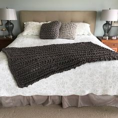 Chunky Knit Blanket, Knit Blanket, Blankets and Throws, warm and cozy, natural giant knitting. Warm Blankets, Knitted Blankets, Merino Wool Blanket, Loom Knitting Blanket, Giant Knitting, Big Wool, Chunky Blanket, Chunky Wool, Hand Spinning