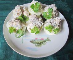 Jajka faszerowane pastą rybką z sardynek Potato Salad, Potatoes, Ethnic Recipes, Food, Meal, Potato, Essen, Hoods, Meals