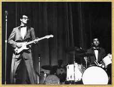 Buddy Holly and The Crickets Popular Music Artists, Great Artists, Buddy Holly Crash, Brown Eyed Handsome Man, Holly Pictures, Ritchie Valens, Popular Bands, Teddy Boys, Rock Artists