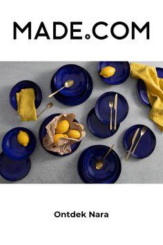 Nara 12-delig aardewerken servies, kobaltblauw spikkelglazuur Veilig voor vaatwasser en magnetron. Nara ziet er misschien antiek en kostbaar uit, maar het aardewerk is goed bestand tegen het moderne leven. Onze expertfabrikanten in Portugal hebben een grijs spikkelglazuur gebruikt om dit aardewerk een ambachtelijke uitstraling te geven. Het maakt je servies uniek en weelderig. Het is helemaal klaar voor jou en je eten. Nara, Dinner Sets, Cobalt Blue, Simple Designs, Dinnerware, Portugal, Pottery, Le Creuset, Winter Nails