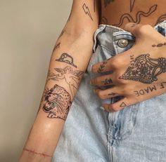 Dainty Tattoos, Dope Tattoos, Pretty Tattoos, Mini Tattoos, Beautiful Tattoos, Body Art Tattoos, Small Tattoos, Tattos, Buddha Tattoos