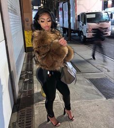 Sexy women that can fill out leather outfits so good. Boujee Outfits, Dope Outfits, Trendy Outfits, Fashion Outfits, Short Outfits, Black Girl Fashion, Look Fashion, Fur Fashion, Fashion Brand