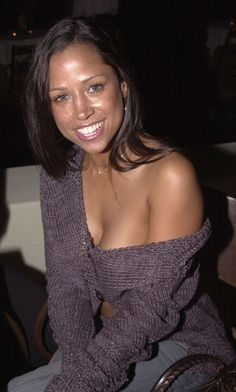 How does Stacey Dash without makeup look? Judge for yourself after viewing these Stacey Dash no makeup pictures! Stacey Dash, Beautiful Celebrities, Beautiful Women, Female Celebrities, Beautiful Things, Celebs Without Makeup, Yesterday And Today, Halle Berry, Just The Way