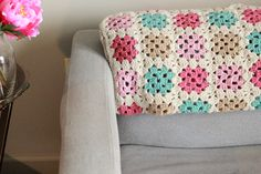 awesome link to a website to plan out colors for granny square blankets!