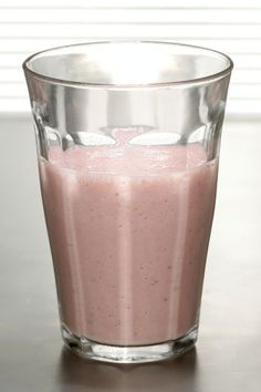Strawberry, Peanut Butter and Soya Milk Smoothie (8 Strawberries, 1 tsp Peanut Butter, ½ Soya Milk With Ice) = 100kcals