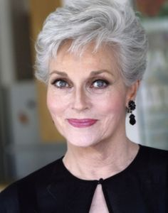 Best Mature Short Haircuts - Hairstyles Fashion and Clothing - 60 Best Short Haircuts For Older Women Over 60 Hairstyles, Mom Hairstyles, Short Hairstyles For Women, Trendy Hairstyles, Hairstyle Ideas, Party Hairstyles, Elsa Hairstyle, Haircuts For Over 60, Choppy Hairstyles