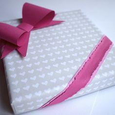 Fiskarettes Design Team - työt : Tuunattu lahjarasia » Fiskarettes FI Gift Wrapping, Gifts, Design, Gift Wrapping Paper, Presents, Wrapping Gifts, Favors, Gift Packaging
