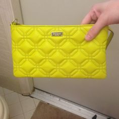 Kate Spade Astor court crossbody purse NWT Kate Spade Astor court crossbody in color acid yellow. Vibrant neon color perfect for summer and that pop of color for your outfit:) kate spade Bags Crossbody Bags