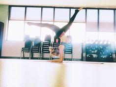 Forearm stand. #pinchamayurasana #yoga