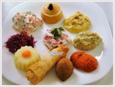 yetur'la lezzet kareleri: salata ve mezeler Breakfast, Food, Bride, Food Art, Chef Recipes, Salads, Morning Coffee, Wedding Bride, Bridal