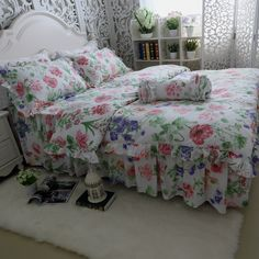Find More Information about  FLOWER COTTON bedding 4pcs set luxury RUFFLE wedding duvet covers CALIFORNIA KING queen size BLUE RED SMALL FLOWER Bedskit kit,High Quality bedding set kids,China bedding sham Suppliers, Cheap bedding set silk from Queen King Bedding Set  on Aliexpress.com